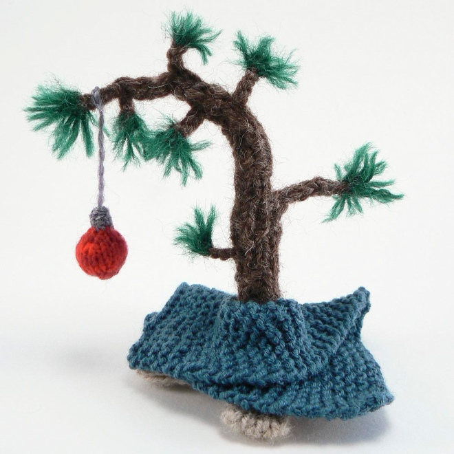 knitted charlie brown christmas tree