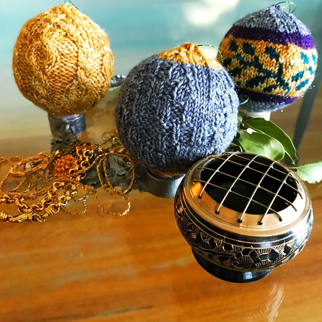 knitted bauble christmas ornaments